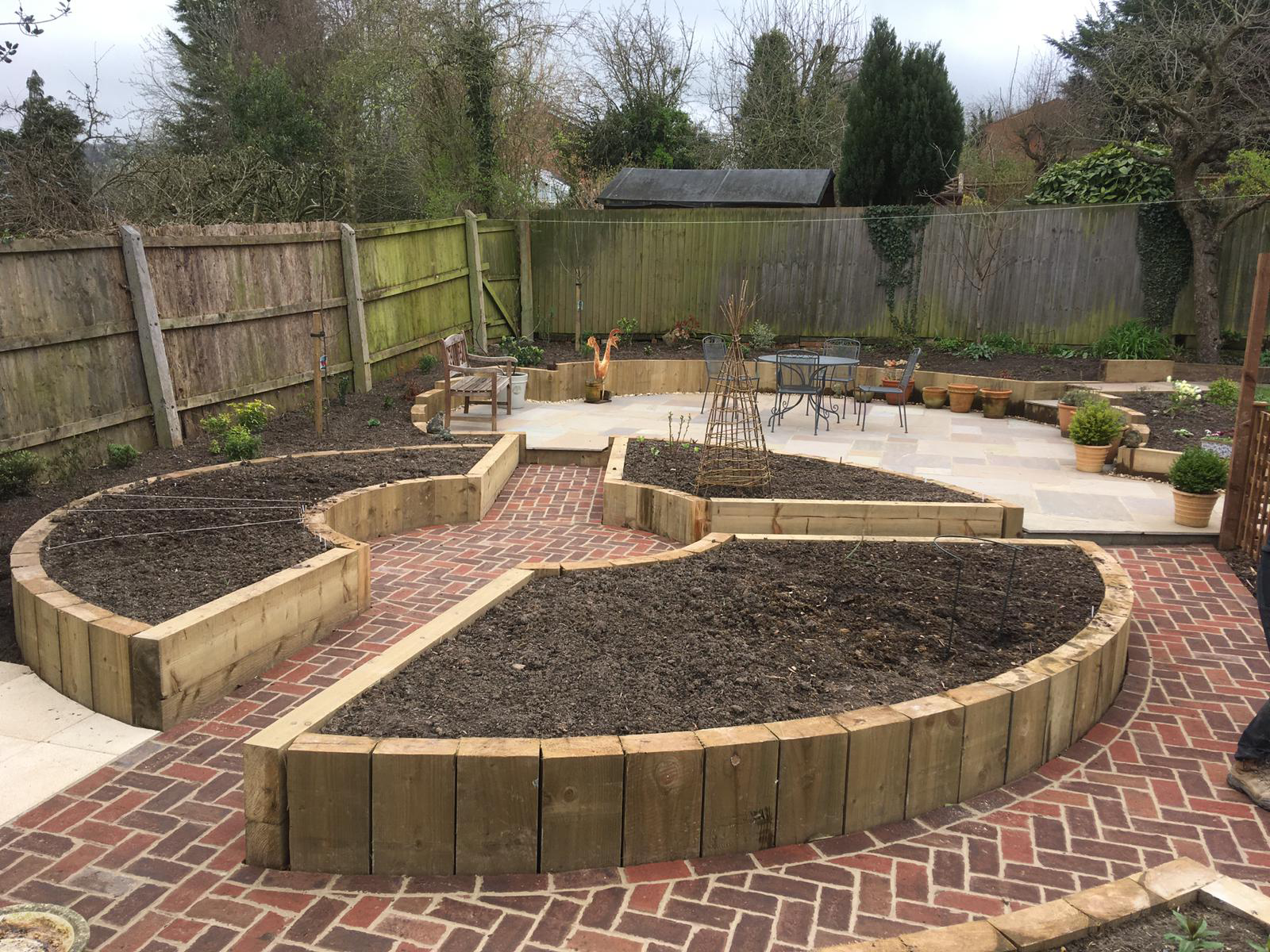 Creative landscaping with circular raised borders