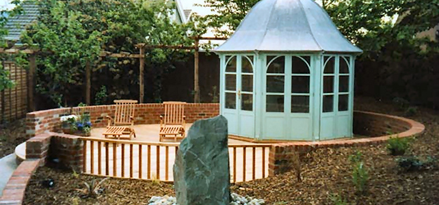 Summer house landscaping design